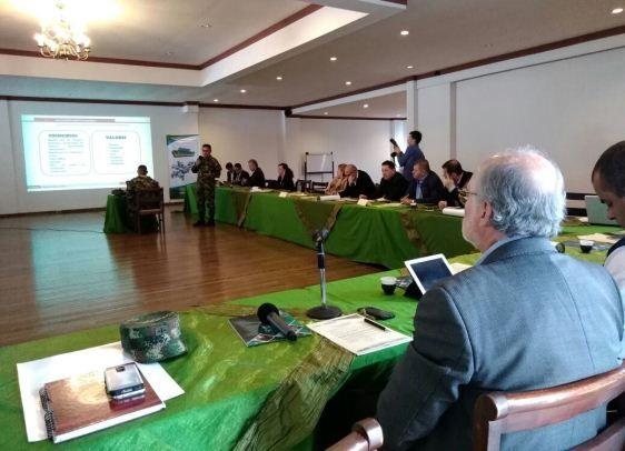 Teniente Coronel Juan Carlos Chaparro Chaparro, asistió al XIV Consejo de Alcaldes de Caldas, con el fin de socializar a los 27 autoridades municipales