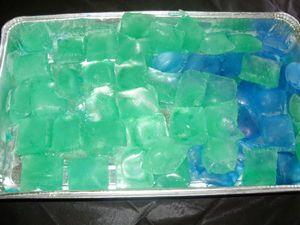 Jääpalat värillisenä Kotikokki.netin nimimerkki Isabellan ohjeella