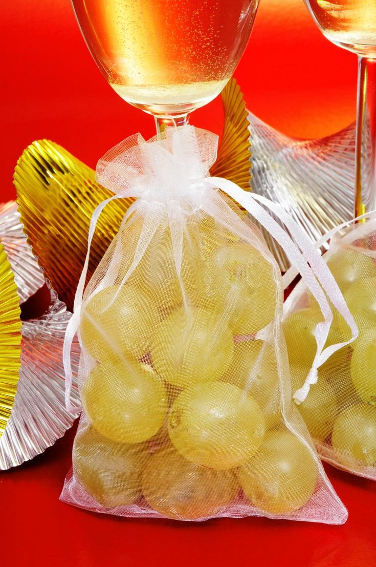 5 Lucky New Year Traditions in Spain | Viva Language Services