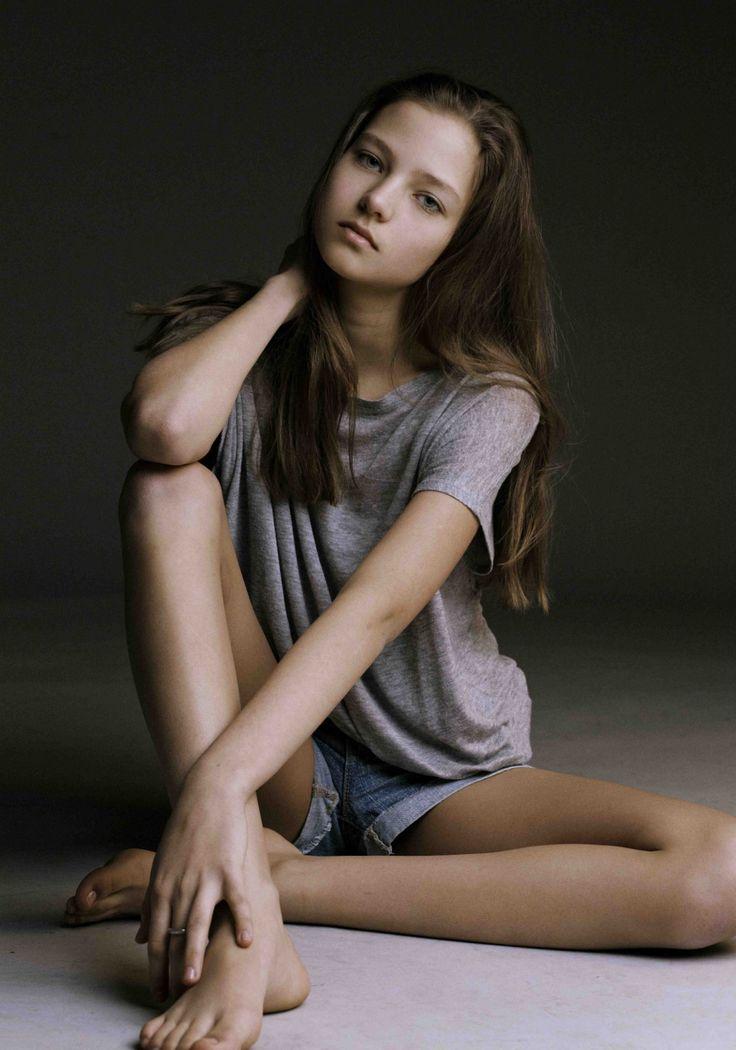 Mini model girls naked teen pain photo