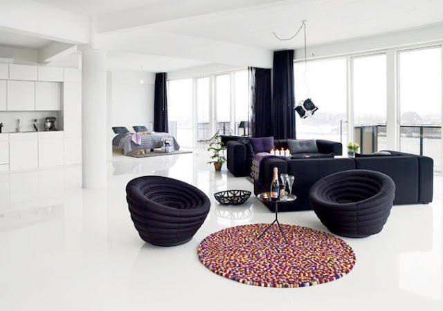 """Idea decoración: Romper el efecto """"blanco y negro"""" con un toque de color y manteniendo la elegancia. Alfombra Pinocchio de Hay. #hay, #carpet, #rug, #alfombra, #catifa, #textiles, #interiordesign, #decoration, #decoracion, #design, #diseno, #interiorismo, #interiorism, #deco, #estilonordico, #nordico, #estiloescandinavo."""