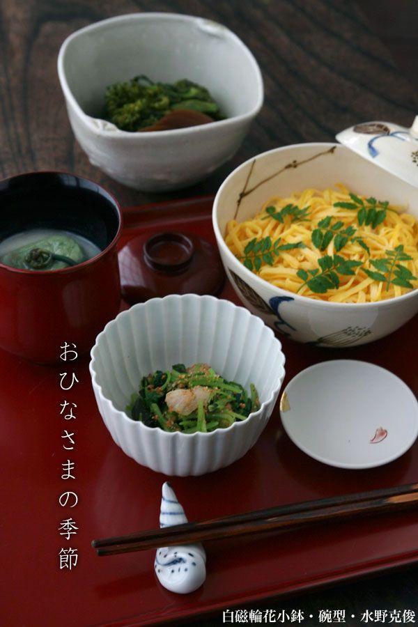 ちらし蒸し寿司、よもぎ麩、わらび 白味噌仕立て、みつば・帆立貝柱・新わかめの胡麻和え、菜の花・西瓜の漬物