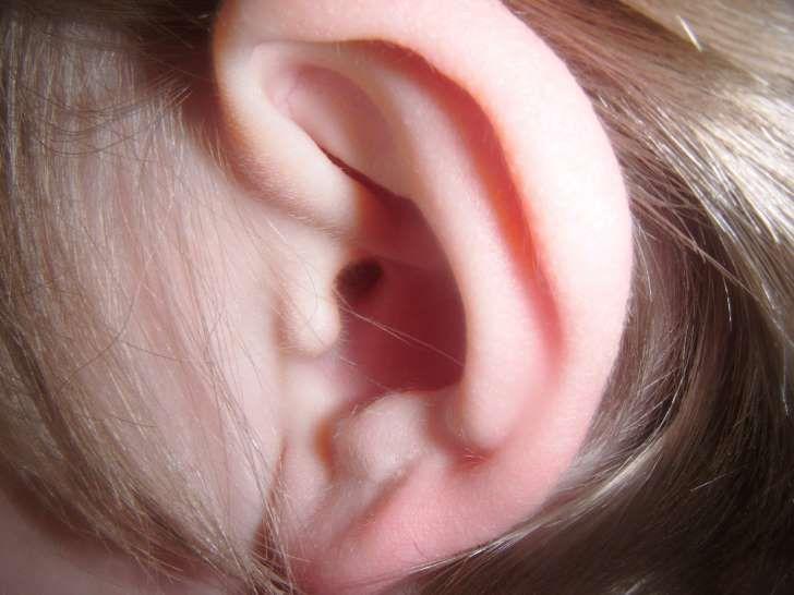 Sposoby na zatkane uszy. Co robić, gdy uszy są zatkane?