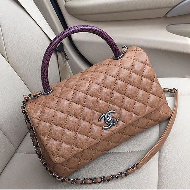 """We're back to the Hermes Kelly versus Chanel CoCo Handle debate - story on PurseBop.com picture by @pamelacsh ✨"" Photo taken by @purseboppicks on Instagram, pinned via the InstaPin iOS App! http://www.instapinapp.com (10/03/2015)"