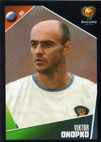 Viktor Onopko of Russis. Euro 2004 card.