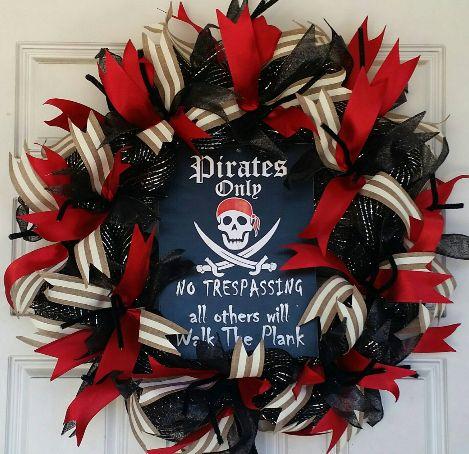 Pirate Skelleton Themed Halloween Deco Mesh Door Wreath