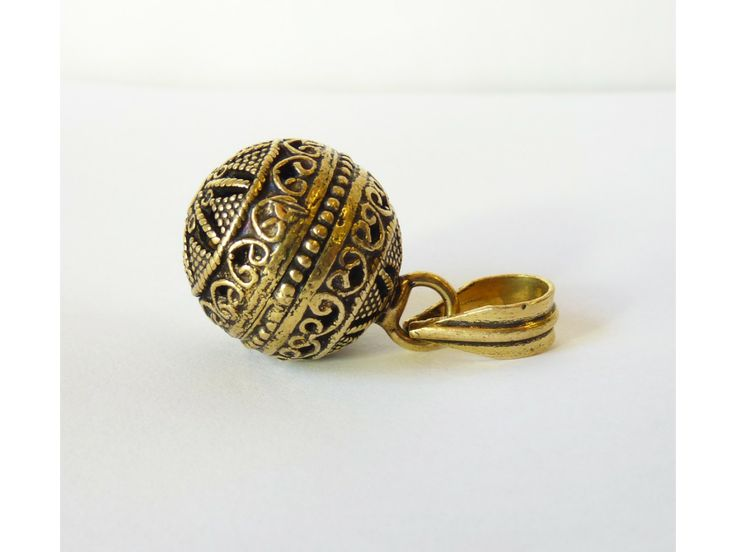 les 55 meilleures images du tableau bijoux et m l s sur pinterest bracelets bijoux et bijoux. Black Bedroom Furniture Sets. Home Design Ideas