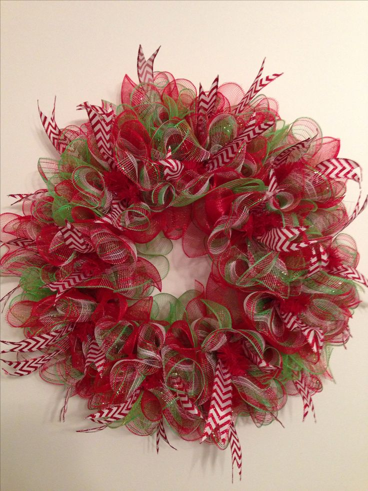 Christmas deco mesh ruffle wreath. #chevron