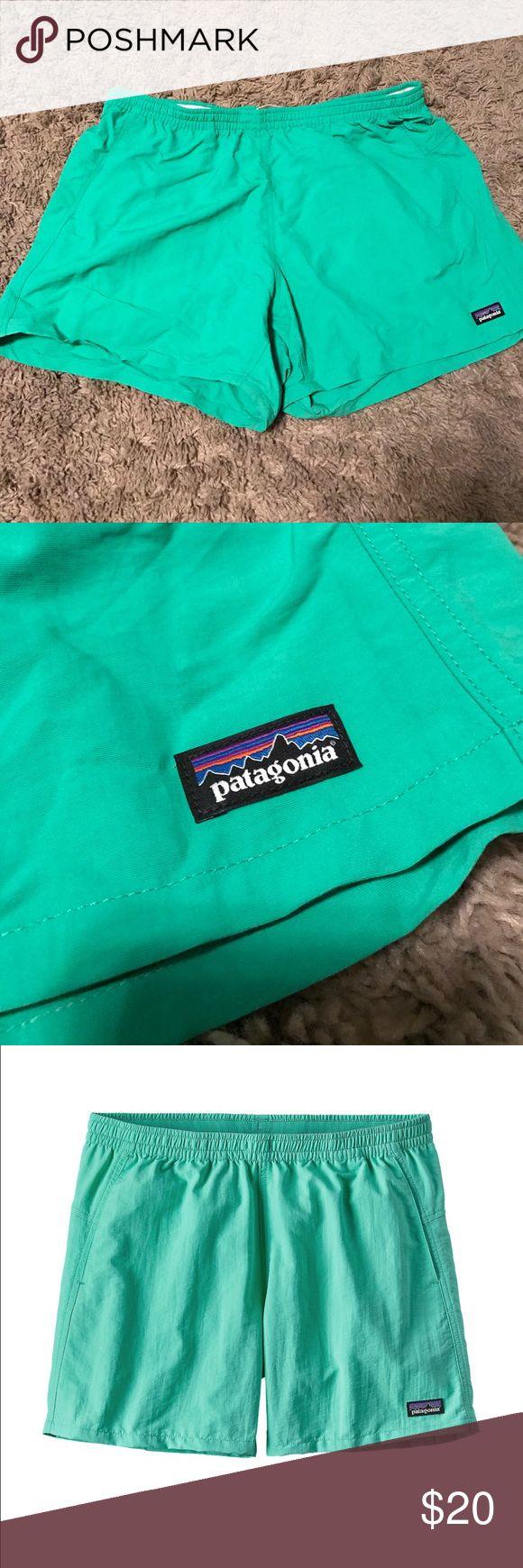 """Patagonia women's baggies shorts 5"""" Patagonia women's baggies shorts! Great condition! Very comfortable and breathable. Patagonia Shorts"""