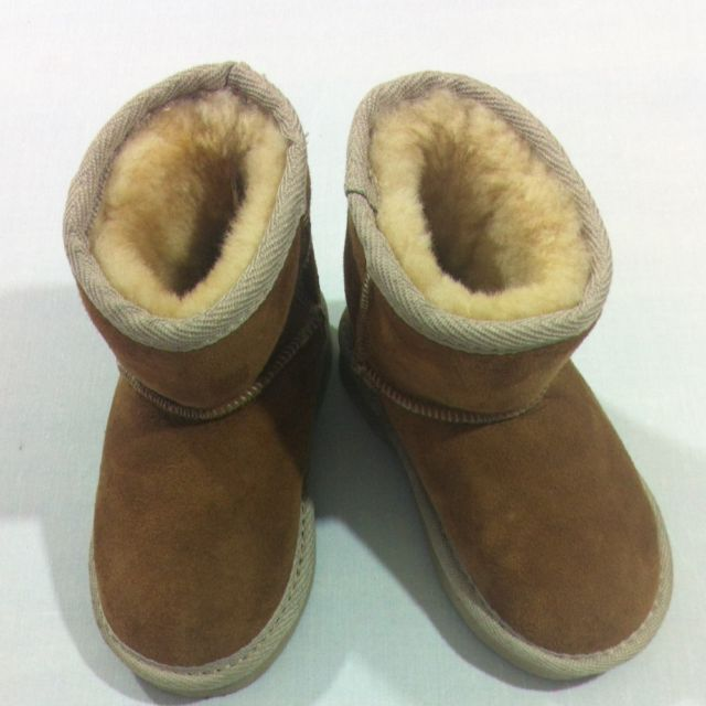 New Childrens Ugg Boots UK Child Size 6-7 | £7.23