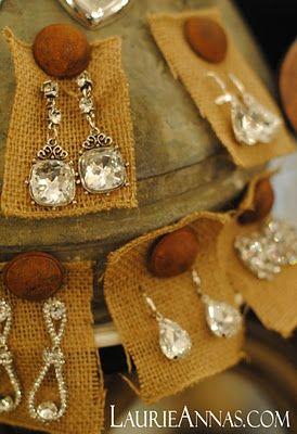 Burlap squares to display earrings