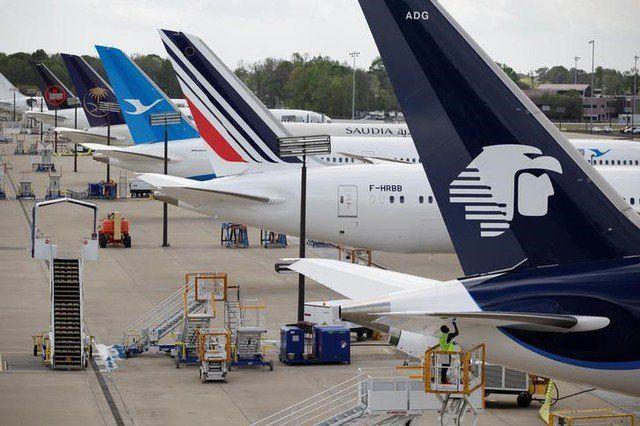 EEUU y México colocarán alguaciles aéreos en vuelos fronterizos - Un avión de AeroMexico se prepara para la aprobación en Carolina en North Charleston, Carolina del Sur, Estados Unidos, el 31 de marzo de 2017. REUTERS / Randall Hill CIUDAD DE MÉXICO (Reuters) – México y Estados Unidos estudian si se pueden desplegar alguaciles aéreos estadounidenses arma... - https://notiespartano.com/2018/01/30/eeuu-mexico-colocaran-alguaciles-aereos-vuelos/