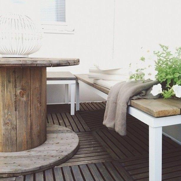 Mooi voor in de tuin, tafel van een haspel.