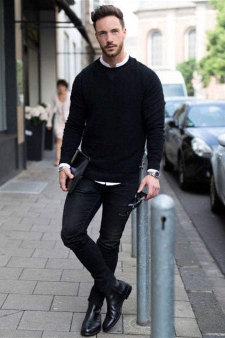 Black Chelsea Boots Outfit, Black Outfit Men, Smart Casual Menswear, Men Casual, Casual Boots For Men, Outfit Online, Botas Chelsea, Mens Boots Fashion, Herren Outfit