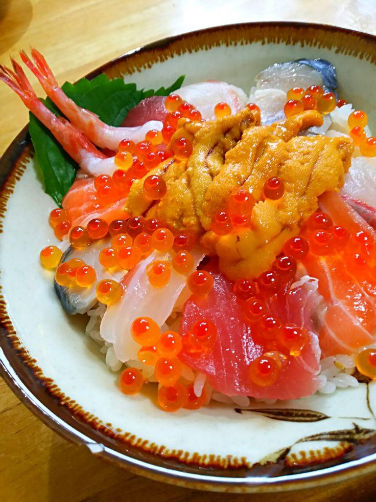 徳之島トトロンヌ's dish photo 海鮮丼 | http://snapdish.co #SnapDish #レシピ #どんぶり #お寿司 #和食 #魚料理