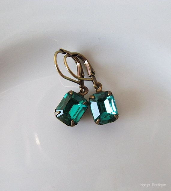 Emerald Green Rhinestone Earrings  Elegant Vintage Glass