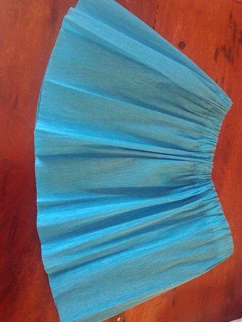 Falda de papel crepe. Crepe paper skirt.