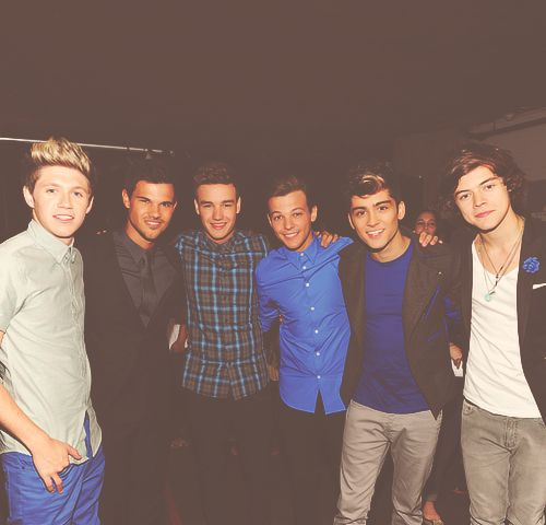with Taylor Lautner <3: Guys Crushes, Boys Group, Direction Infection, One Direction, Pictures, Direction 3 3 3, Taylors Lautner, Direction 3333, Direction Vma S