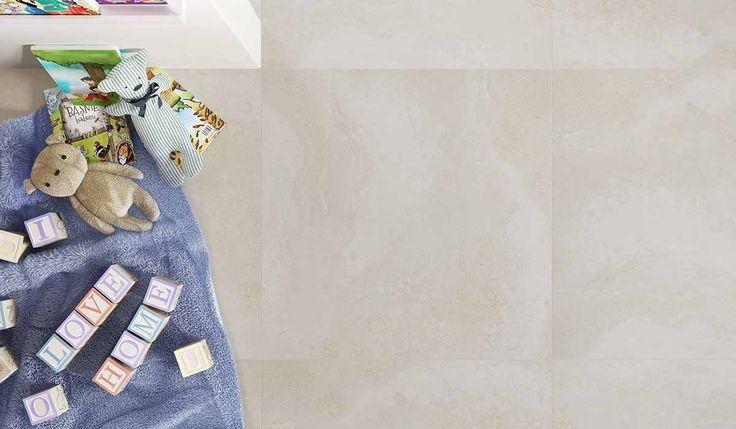 Jest spokojnie, bezpiecznie i miło. Przyjemne otulenie ogarnia wszystkie zmysły. Wystarczy jedno muśnięcie naturalnego ciepła, aby subtelna moc dotyku wypełniła całe wnętrze… Adana. Grafika delikatnego kamienia na ściany i podłogi w zupełnie nowym formacie (75 cm x 75 cm) i delikatnej, ciepłej tonacji kolorystycznej.    www.paradyz.com/plytki/tarasowe-salon/adana