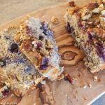Blueberry muffins, ik ben er gek op! Heerlijk als ontbijt met een kopje koffie of thee maar ja echt gezond zijn ze niet, mits je ze zelf maakt natuurlijk! Dit bananenbrood is suiker en glutenvrij en komt toch wel heel dicht in de buurt van de Amerikaanse, blueberry muffin.NJAM NJAM..........Wat ...