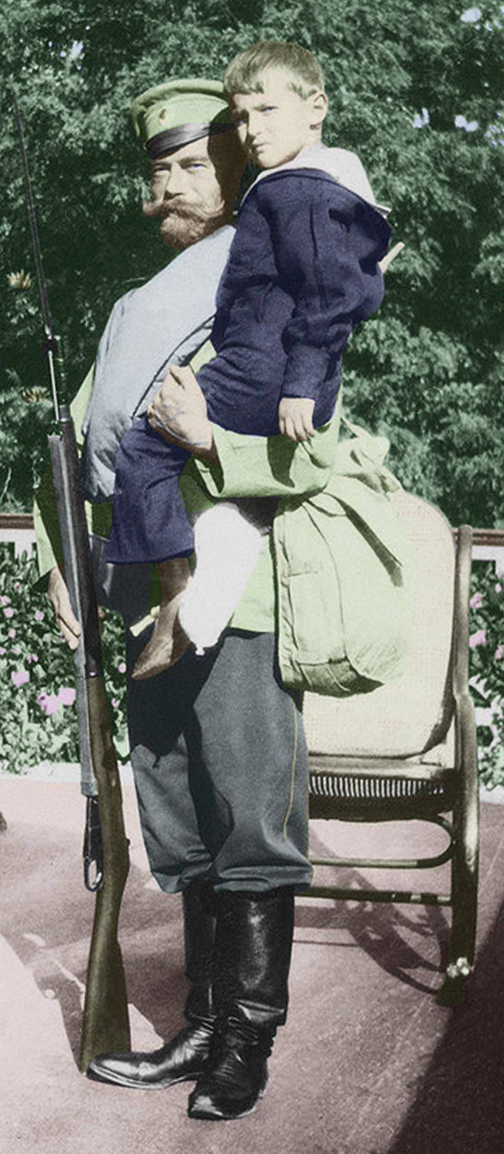 Tsar Nicholas II and his son Alexei from Romanov Photo album Vol 4 (Yale)-200