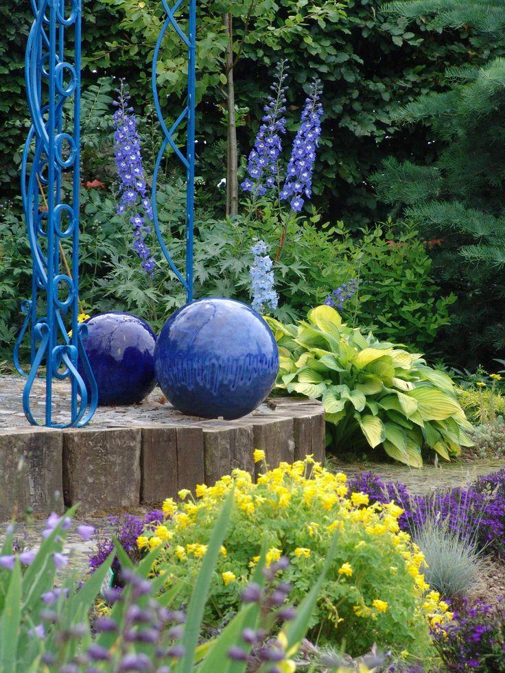 Ogród niebiesko-żółty