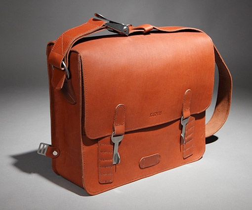 Kasperi - hand-made Finnish leather shoulder bag, designed especially for cyclists.