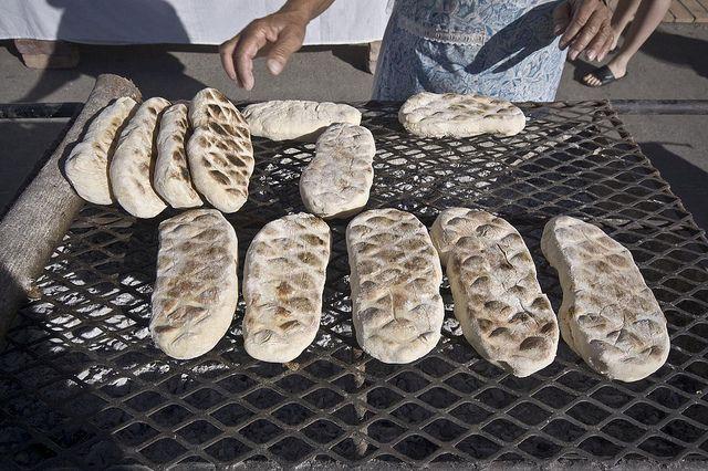 Roosterkoek / bread on the braai!