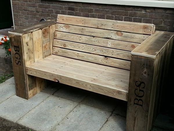 Outdoor Wooden Pallet Bench Seat