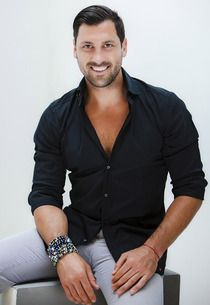 max chmerkovskiy...MY favorite dancer!