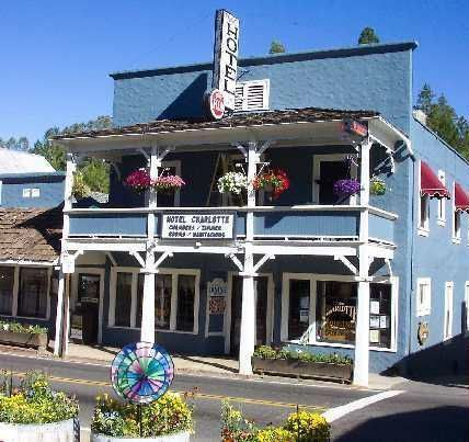 Groveland Ca The Hotel Charlotte Is Located Just 24 Miles From Yosemite National Park