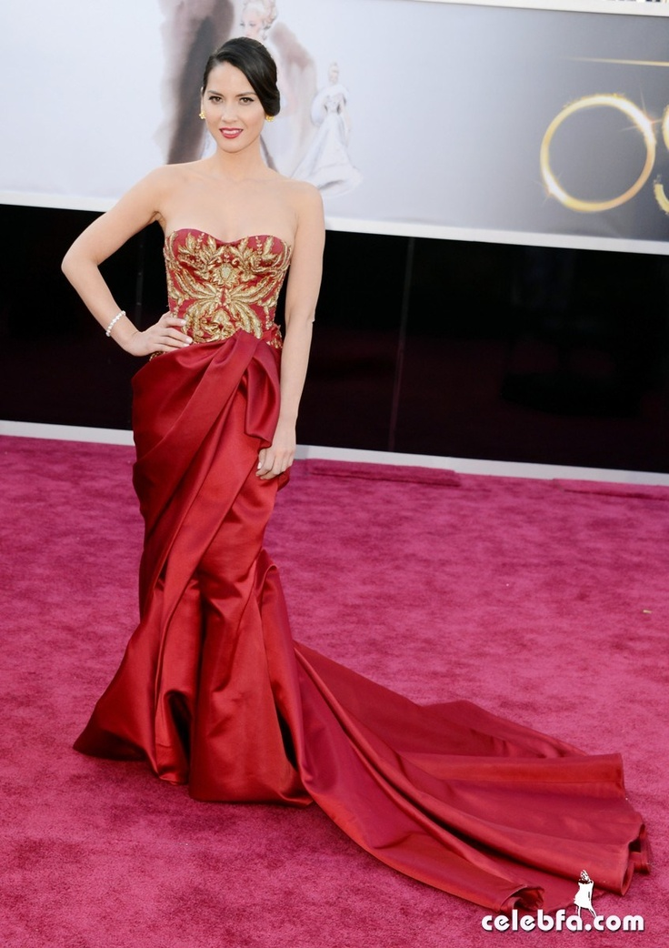 Olivia Munn Oscars 2013 Red Carpet