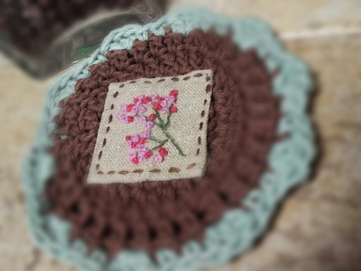 Tea Mat Coaster.   crochet+embroidery