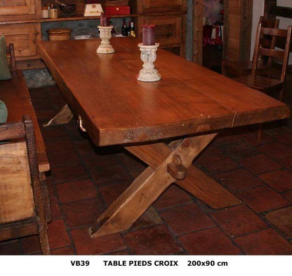 TABLE VB PIEDS CROIX