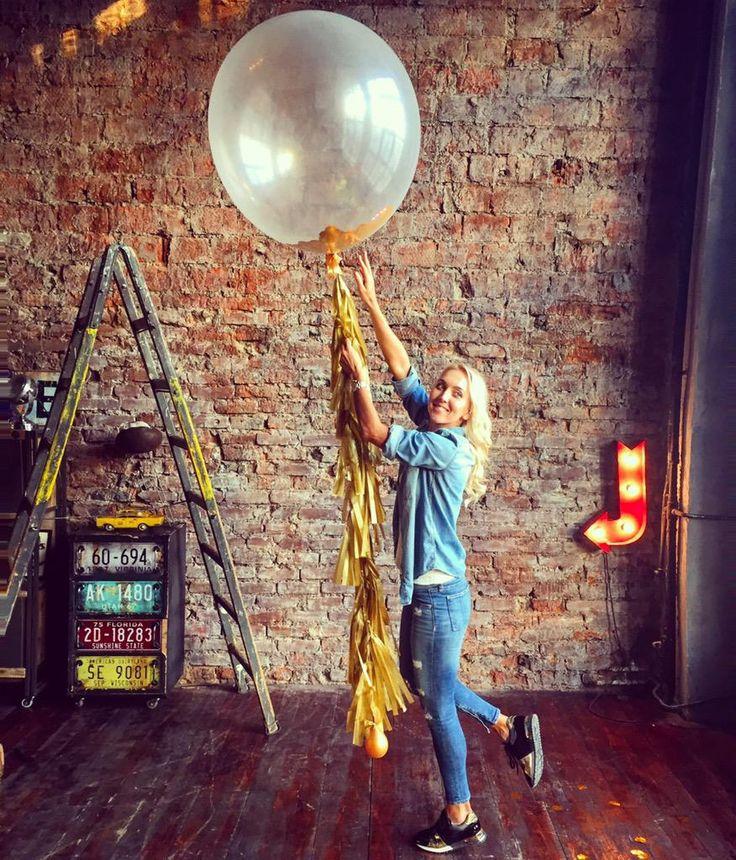 """Elena Vesnina : """"Balloons and photo shoot-always good idea"""""""