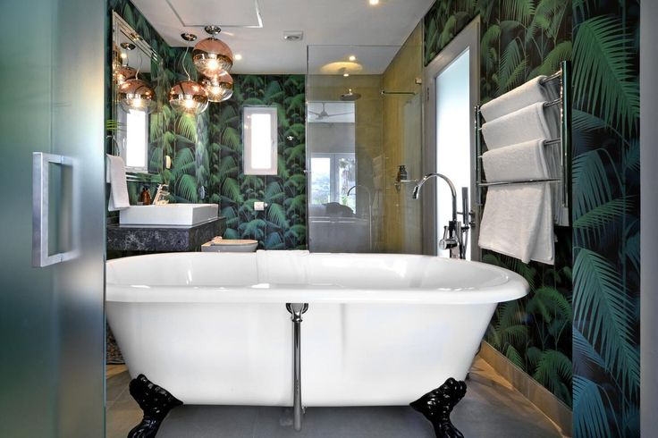 Take a bath in style at Franschhoek Boutique Hotel.