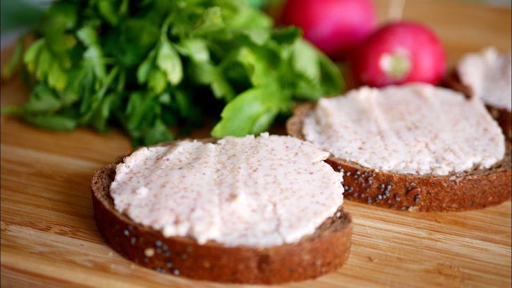 """Обалденно вкусная и простая намазка на хлеб к чаю. Закуска """"Селедочное м..."""