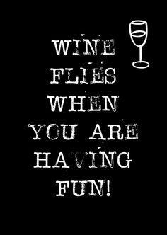 A6 kaartje. Wine flies when you're having fun. Ontwerp: byBean. Je shopt 'm hier: http://www.bybean.nl/10278788/kaartje-wine-flies-when-you-are-having-fun