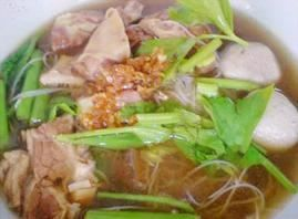 Boat Noodles:Rice noodles with gentle steamed beef or pork, ball and tripe in spicy dark soup from Pattaya Bay Restaurant in Los Angeles #Food #Noodles #Restaurant forked.com