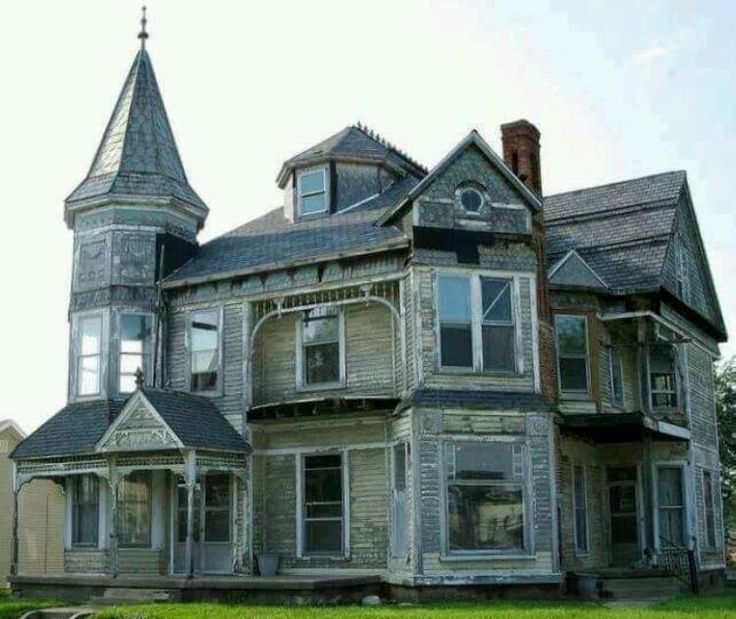 Abandoned home in Kingston, Indiana