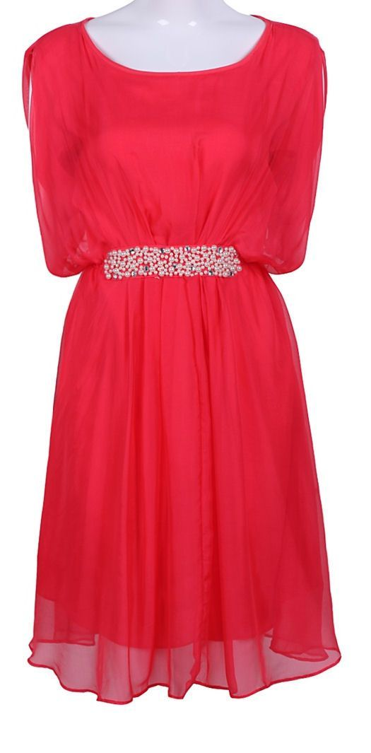 i like the color of it and the belt on it with all the designs the dress would look really pretty on someone