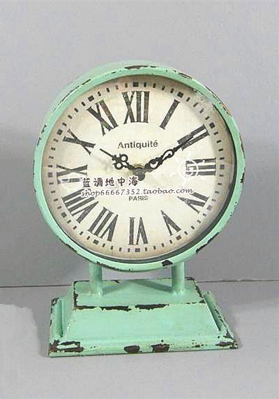 blues mediterrane europese landen om de oude vintage smeedijzeren tuin klok tafel klok horloge groene romeinse cijfers