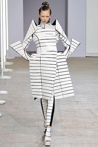 Wearable Sculptures - three-dimensional fashion; experimental forms in fashion // Gareth Pugh