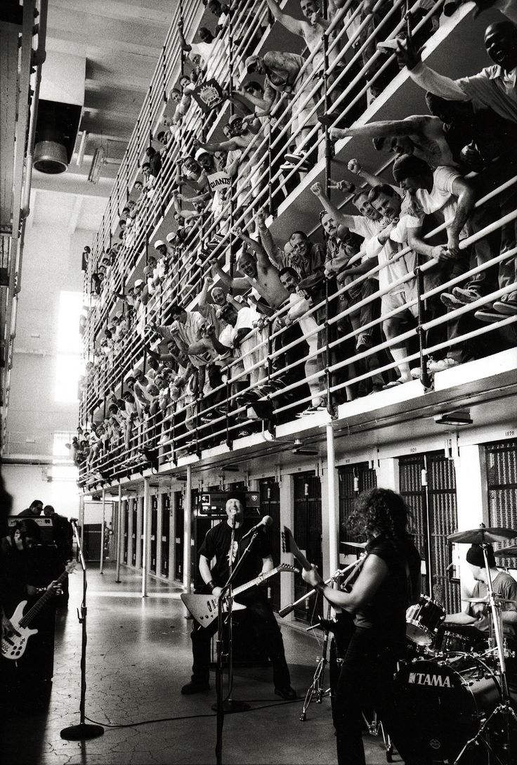 Amazing shot of Metallica preforming at San Quentin State Prison in 2003.