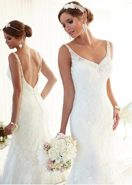 Alluring Tulle Sheath V-neck Neckline Natural Waistline Wedding Dress