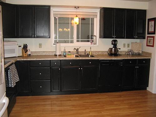 kitchen redo by 935heidi, via Flickr