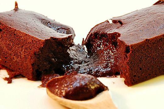 Certainement le graal des recettes au chocolat ! Il y a autant de versions que de cuisiniers. Je vous propose une version « amandine », avec tous les bienfait