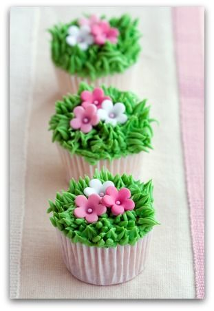 Cute Cupcakes  Cupcake Decorating Ideas - Flower Cupcakes