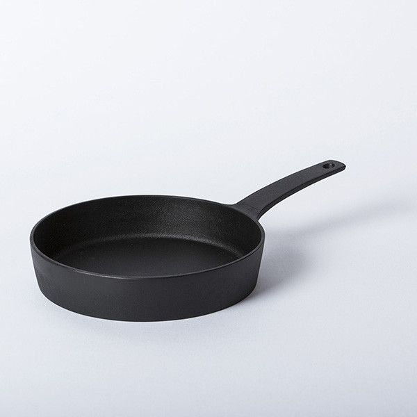 Nobuho Miya's great sense of proportion and craft wonderfully expressed in this cast iron pan.