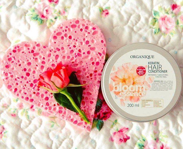 Szukasz wzmocnienia włosów i kwiatowego zapachu, który utrzymuje się na długo?…